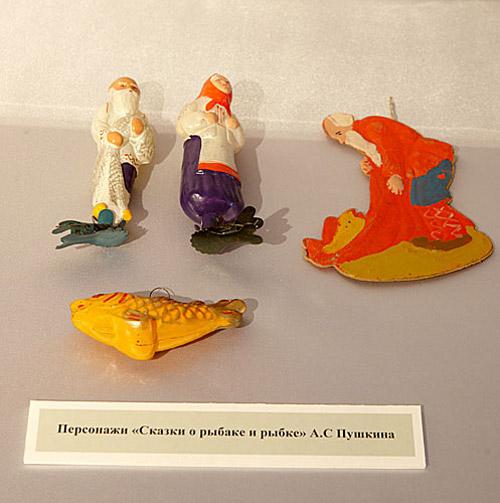 В блеске елочных огней. Выставка советской елочной игрушки в Коломенском