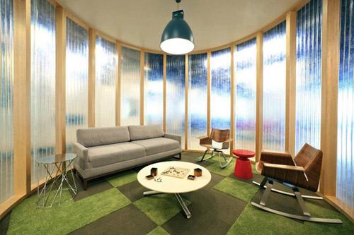 Новый офис компании AOL. Чувствуйте себя как дома, но не забывайте, что вы на работе :)