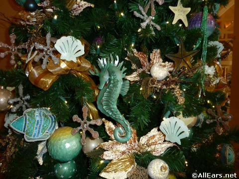 What Is The Main Holiday Decoration In Most Mexican Homes
