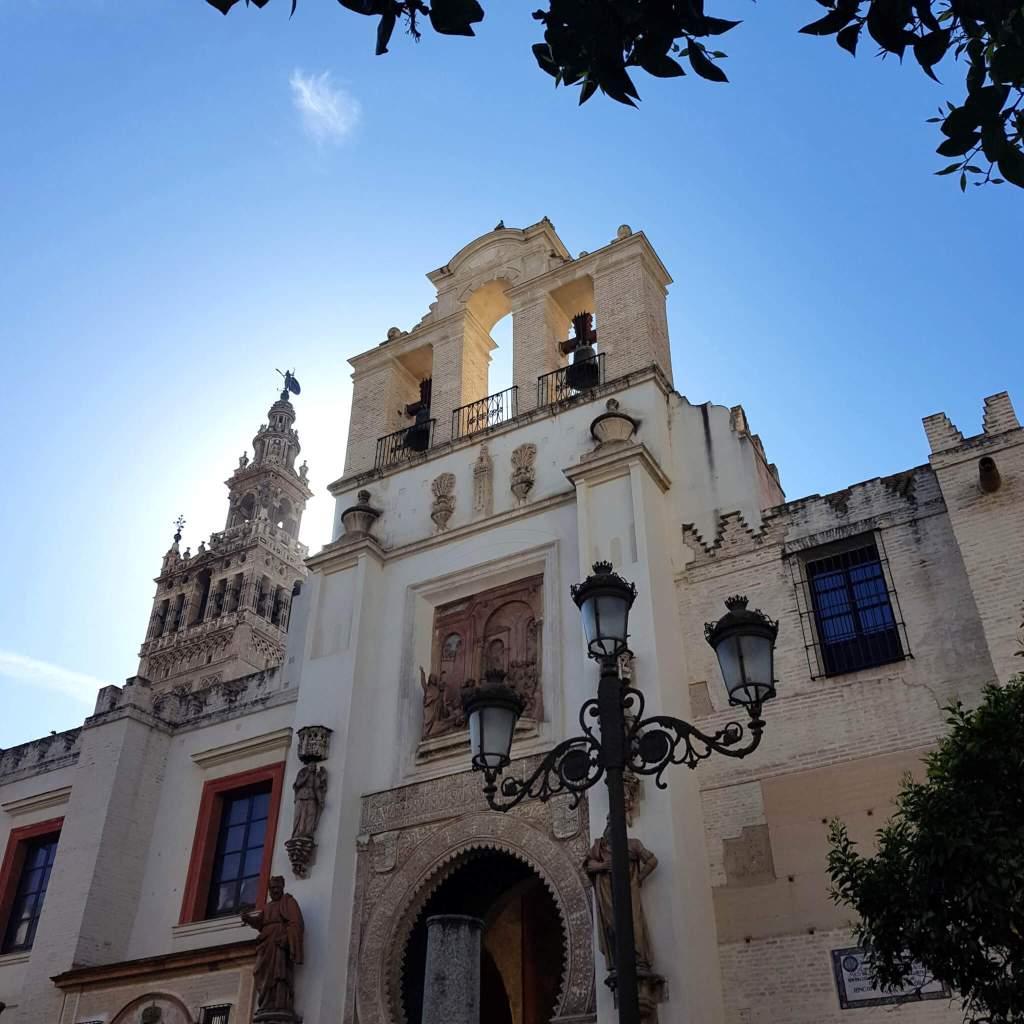 De kathedraal en Giralda van Sevilla