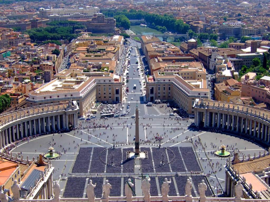 Het uitzicht vanaf de Sint Pieter over Vaticaanstad in Rome
