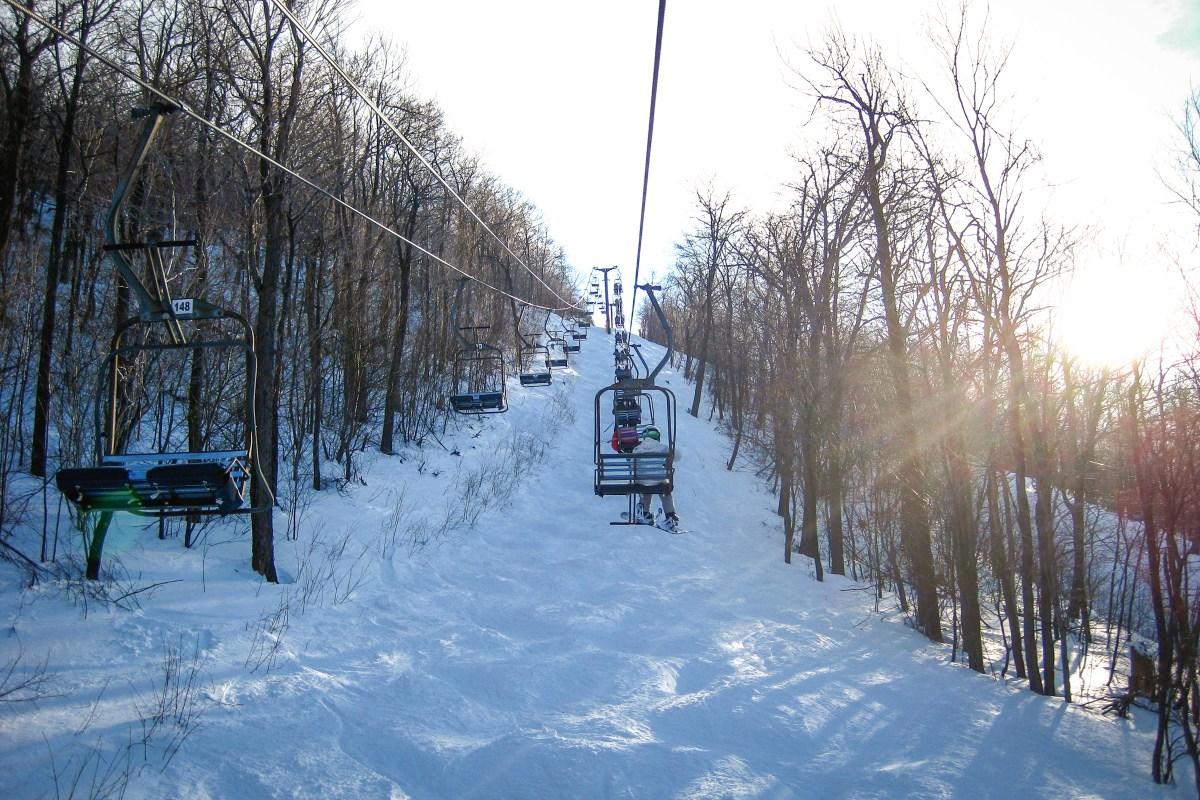 Skiiiers hit the slopes at Blue Knob Mountain Resort near Claysburg, Pennsylvania. Photo: Rudi Riet