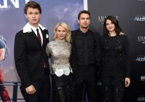 "NEW YORK, NEW YORK - MARCH 14: (L-R) Actors Ansel Elgort, Naomi Watts, Theo James, and Shailene Woodley attend the New York premiere of ""Allegiant"" at the AMC Lincoln Square Theater on March 14, 2016 in New York City. (Photo by Jamie McCarthy/Getty Images)"