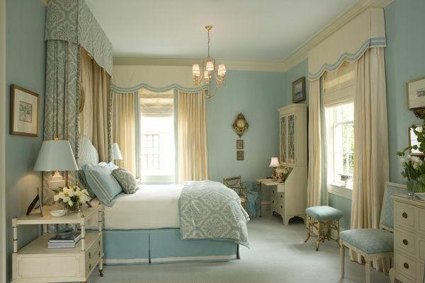 blue and white vintage bedroom Wunderbare Kombination von Graublau und Beige im Interior