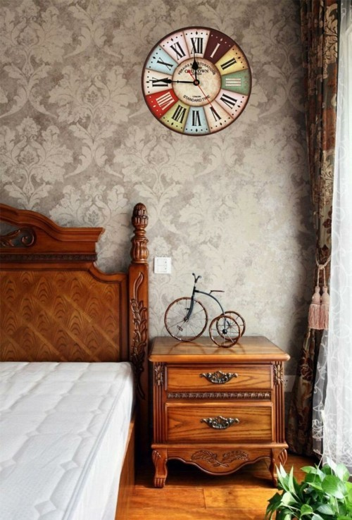 Vintage Deko fr die Wand  Eine Wanduhr im RetroStyle