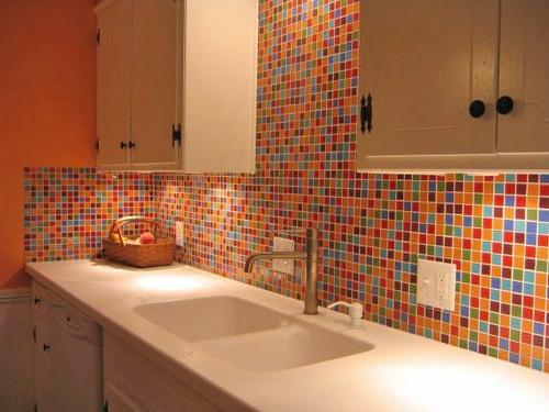 kitchen tile designs glass cabinets farbgestaltung in der küche - bunte ideen für mehr spaß ...