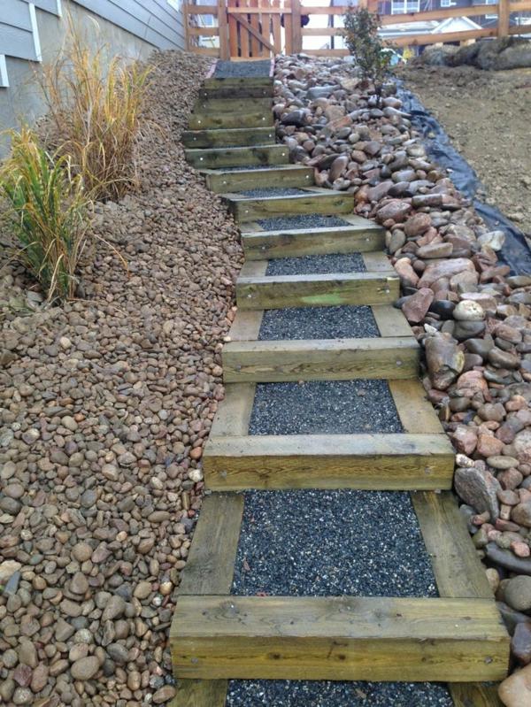 Gartentreppe selber bauen um einen lndlichen Look zu erschaffen