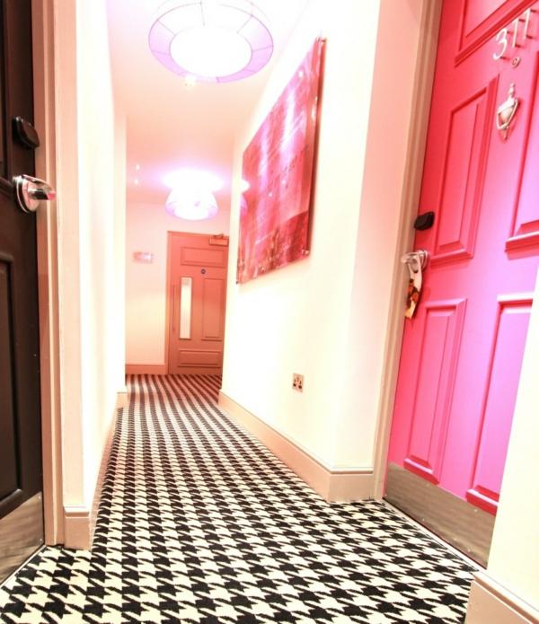 1001 Ideen fr Wandgestaltung Flur  helle Tne vergrern optisch den Flur