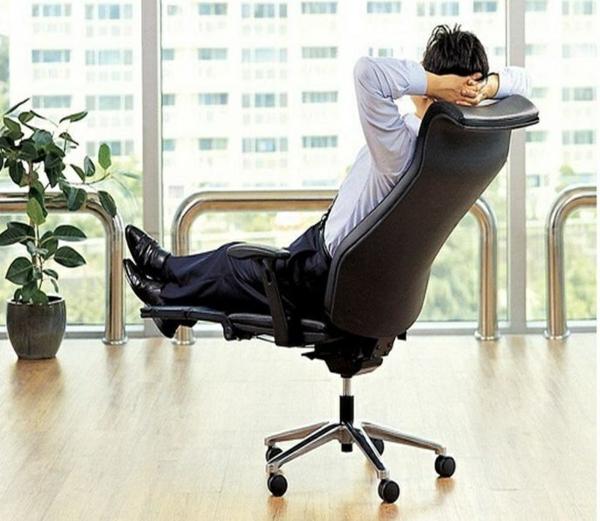 Stressless Brostuhl um den Arbeitsprozess zu verbessern
