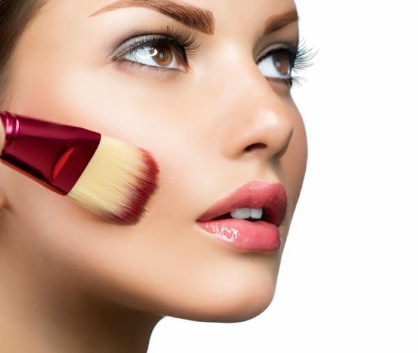 Gesicht Schminken  ein gutes Makeup fr ein strahlendes