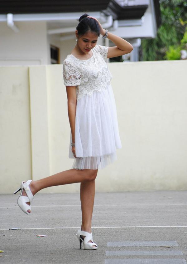 Weies Kleid  super frisch und lsst sich leicht kombinieren
