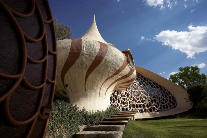 Organische Architektur  im Einklang mit der Natur wohnen