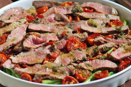 steakstreifen mit getrockneten tomaten und thaispargel