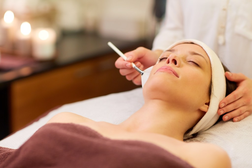 Benefits of a Facial and Peel Combination