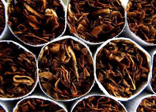 Почему пассивное курение вреднее активного