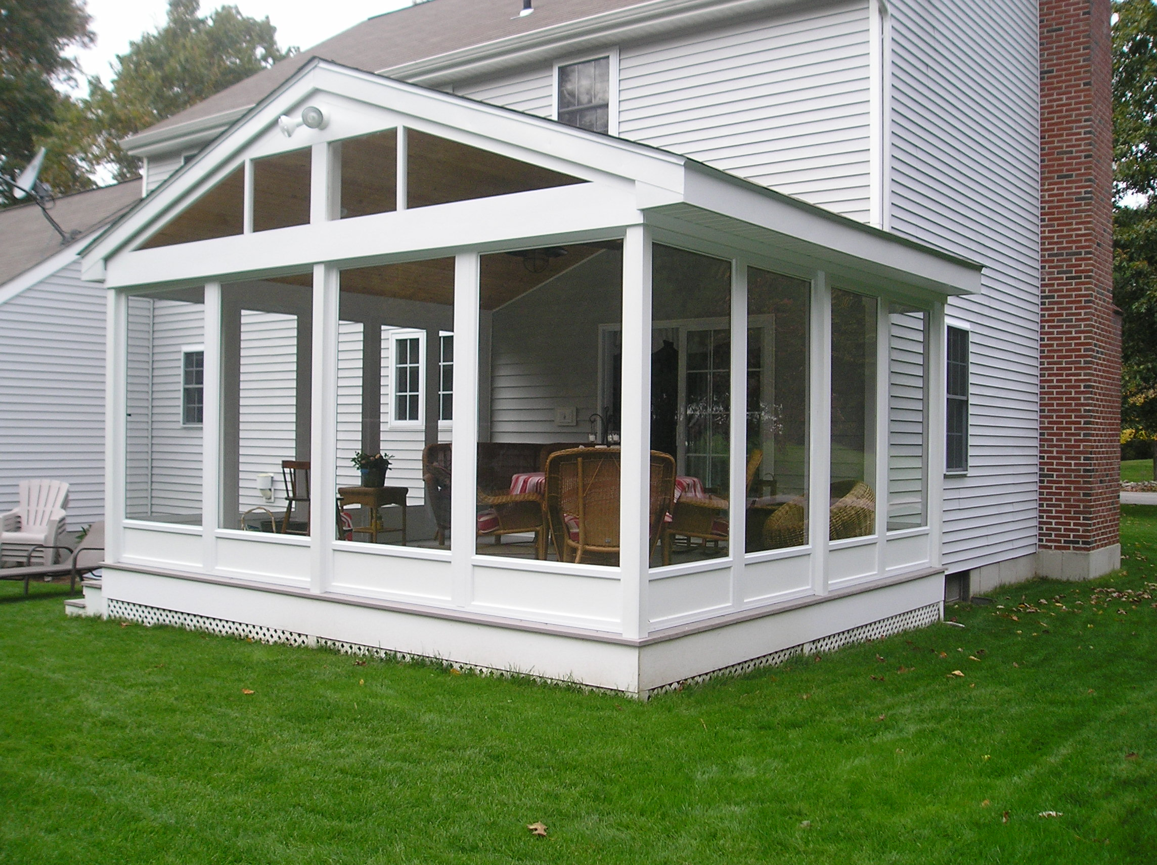 Enjoy A Screen Porch Year Round With Harvey Bp Enclosure