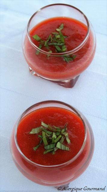 verrines de soupe de tomates au basilic sans gluten sans lait sans oeufs