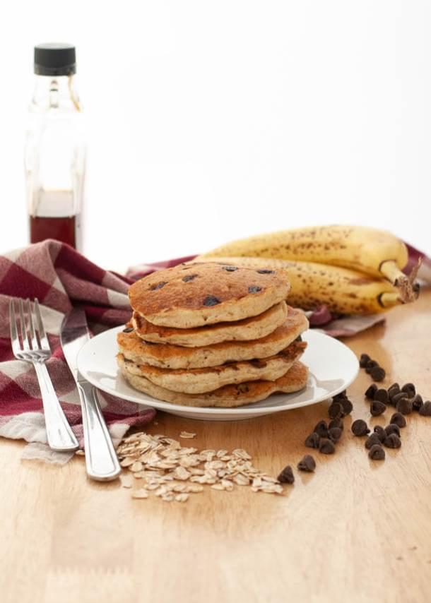 banana-chocolate-chip-oatmeal-vegan-pancakes