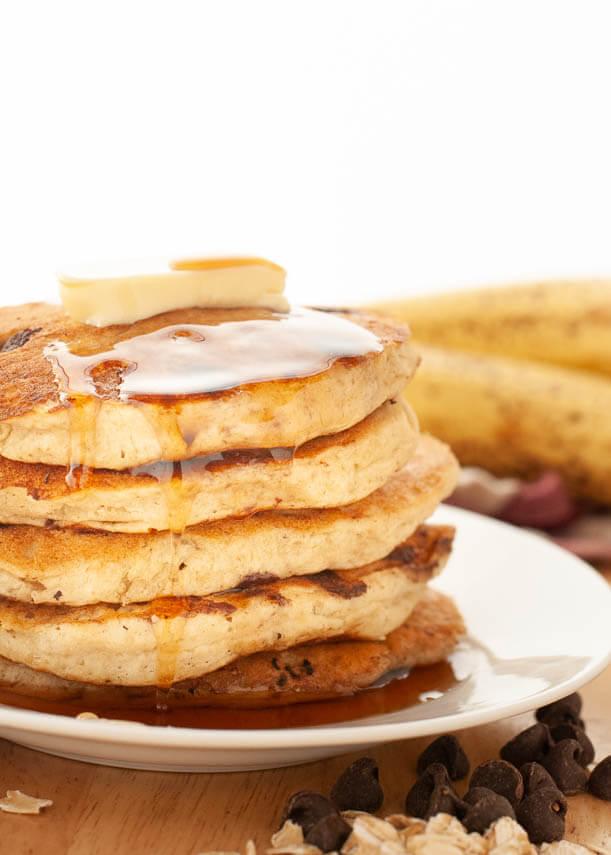 gluten-free-vegan-chocolate-chip-oatmeal-banana-pancakes