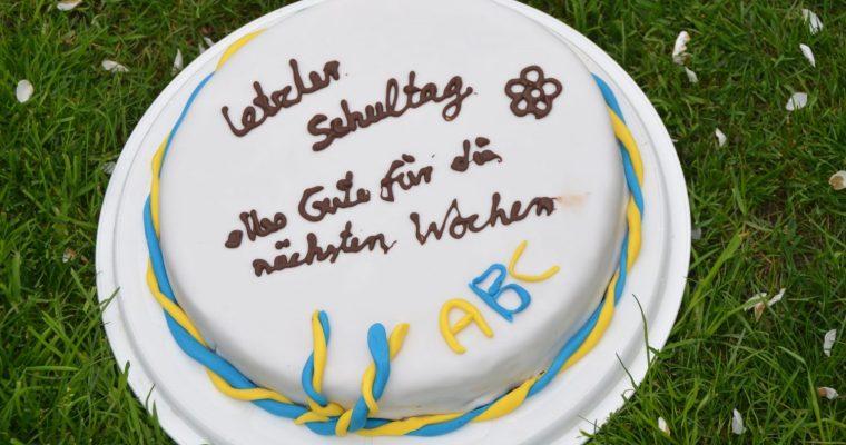 Glutenfreier Fondantkuchen mit Schokobisquit & Sahnefüllung