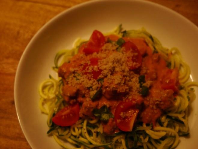 Zucchini Spaghetti Zoodles mit Bolognese