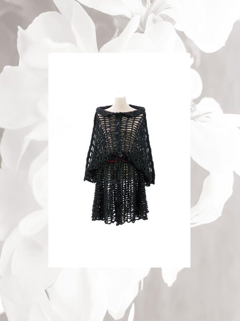 Abrigo Raglan, tejido con punto concha con hilo de mohair y lana merino con destellos de brillo de lurex.