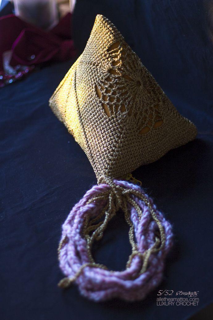 Objeto de Deseo bolso piramide