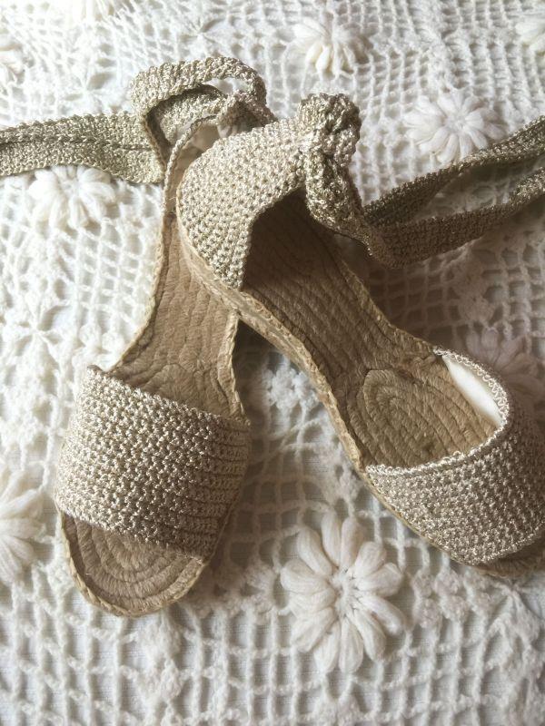 Alpargatas crochet basic es una precioso zapato tejido a mano a ganchillo.