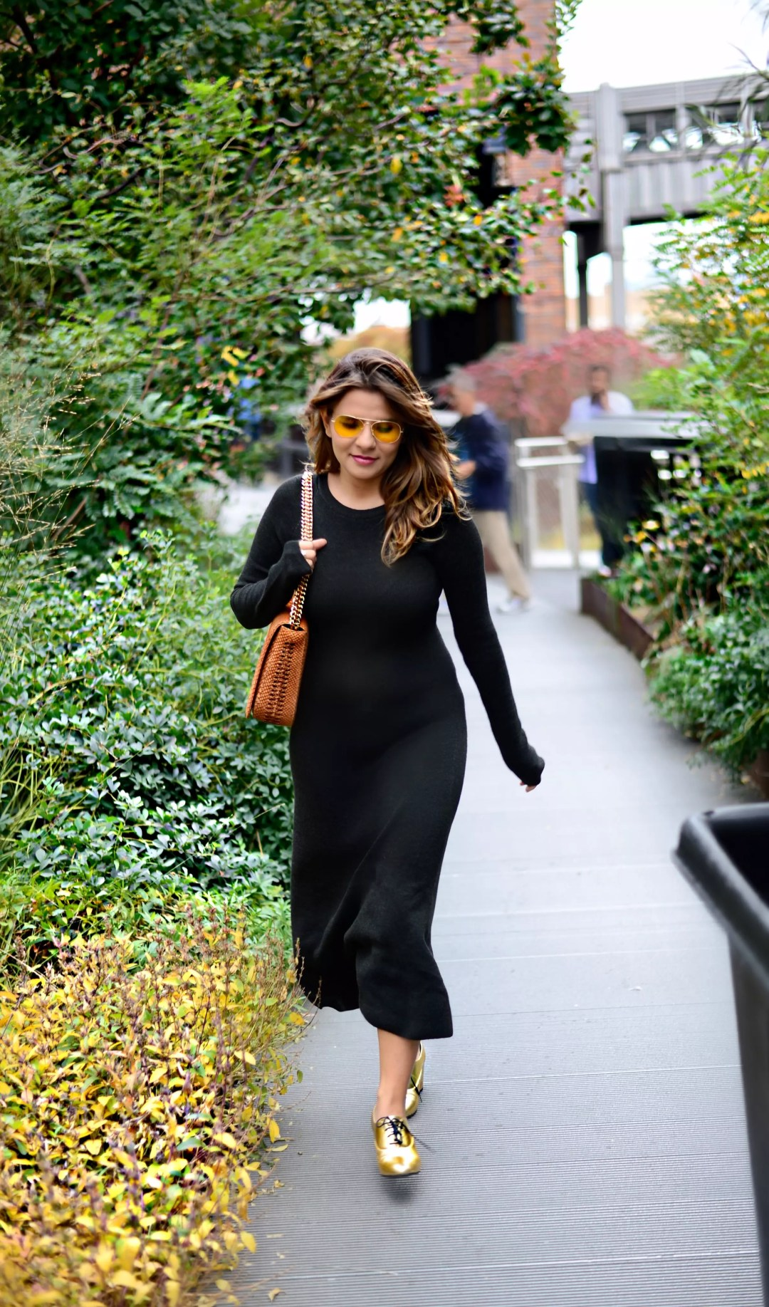 jersey-dress-gold-shoes-alley-girl-betul-yildiz-new-york-fashion-blogger-14