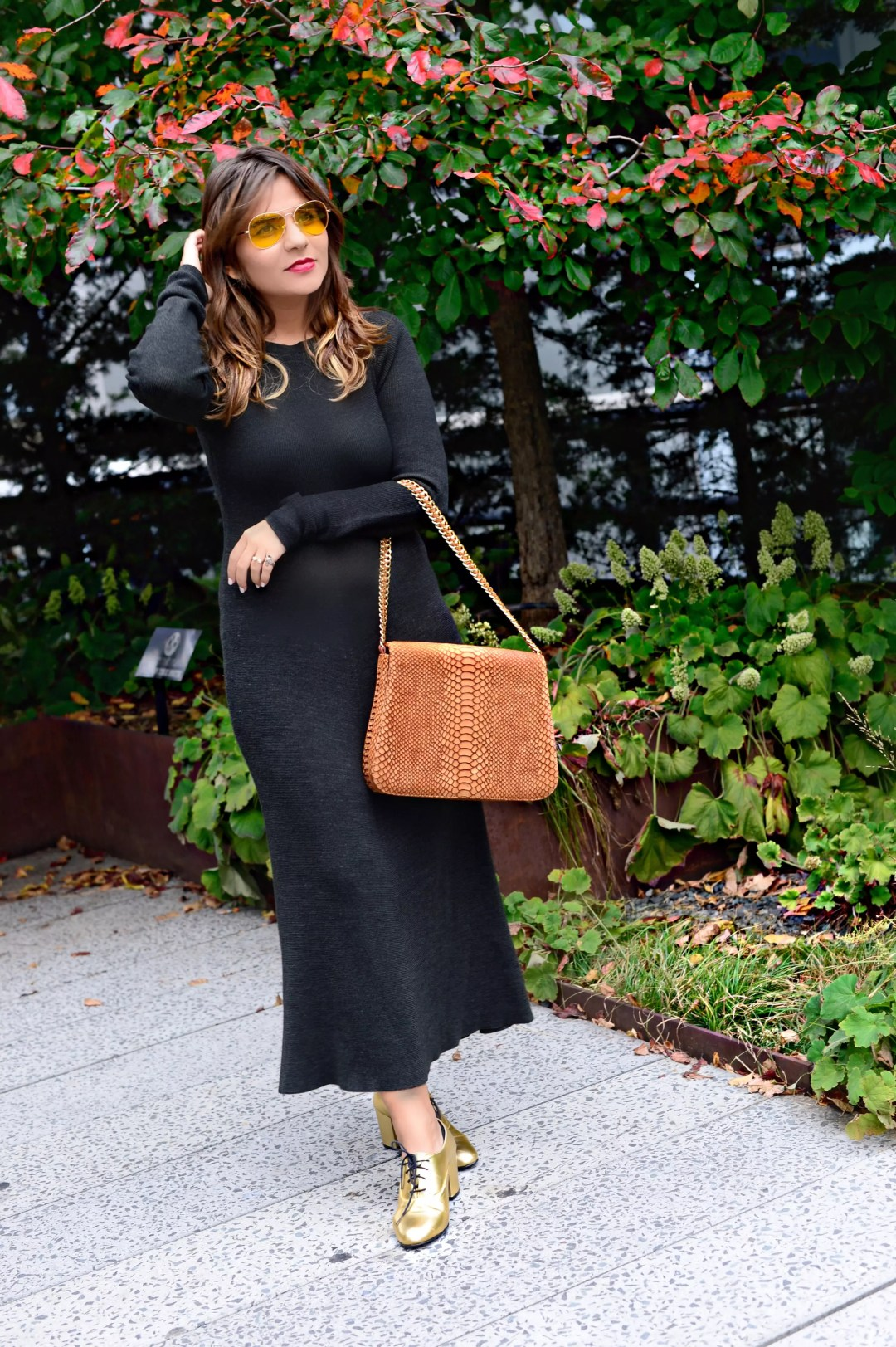 jersey-dress-gold-shoes-alley-girl-betul-yildiz-new-york-fashion-blogger