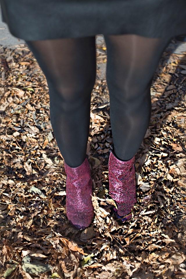 sparkle-boots-leather-skirts-alley-girl-betul-yildiz-new-york-fashion-blogger-6