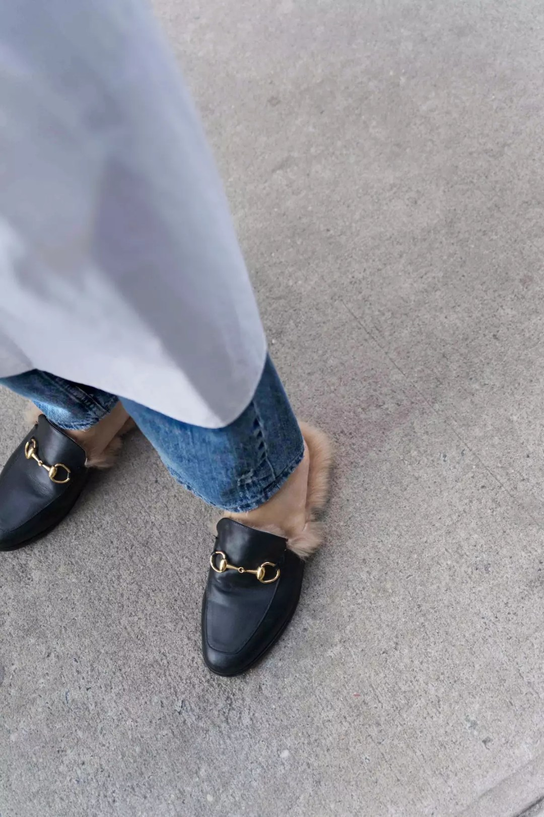 dress-over-jeans-gucci-loafers-alley-girl