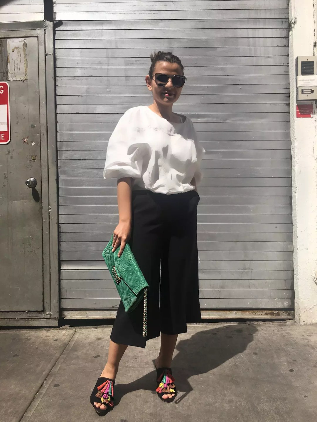 spring-culottes-style-with-fringe-sandals-alley-girl-betul-yildiz-2