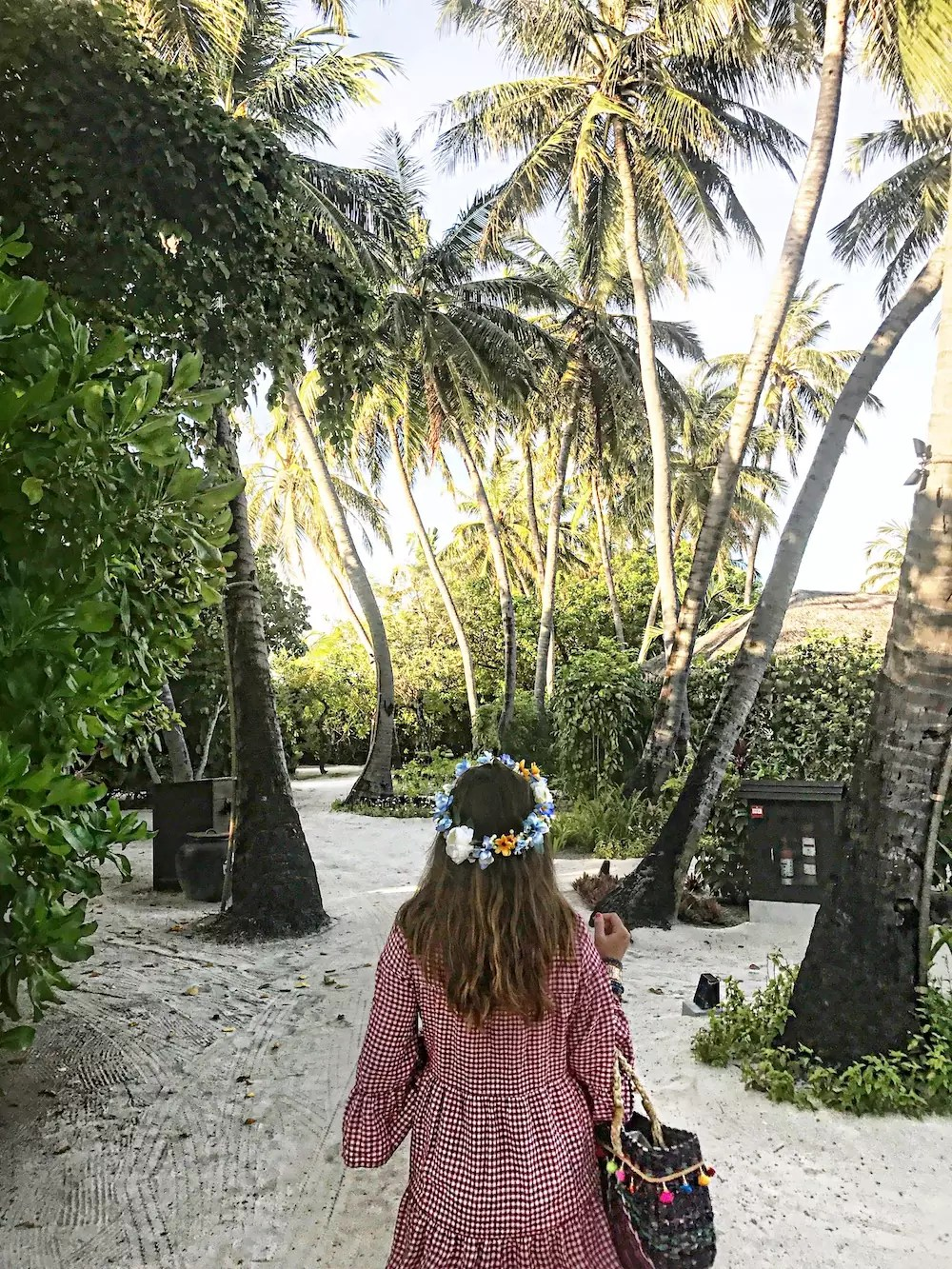 alley-girl-in-maldives-fashion-travel-life-style-blog