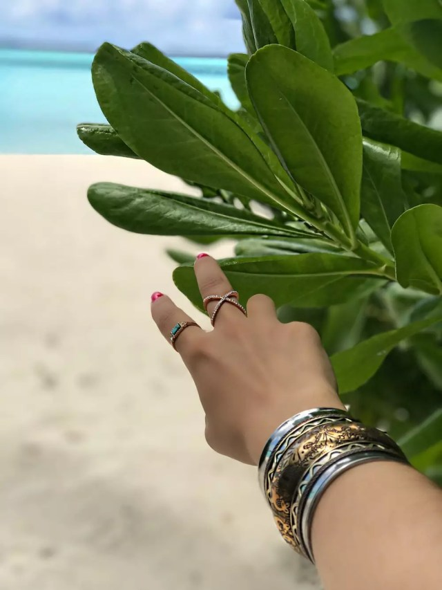 best-accessories-for-summer-vacation-boho-vibes-alley-girl-fashion-travel-life-style-blog