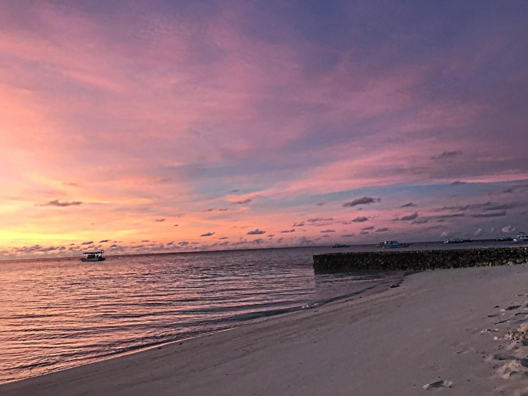 maldives-sunrise-alley-girl-fashion-travel-life-style-blog