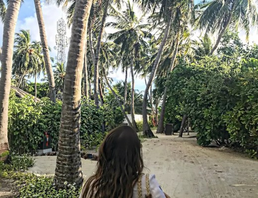 palm trees maldives alley girl fashion travel life style blog - Who did Design the Very First Clear Transparent Shoes?