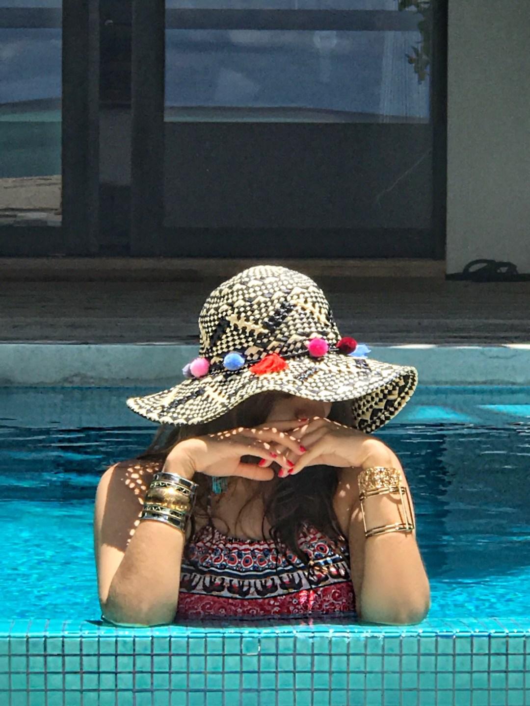 pom-pom-hats-alley-girl-fashion-travel-life-style-blog