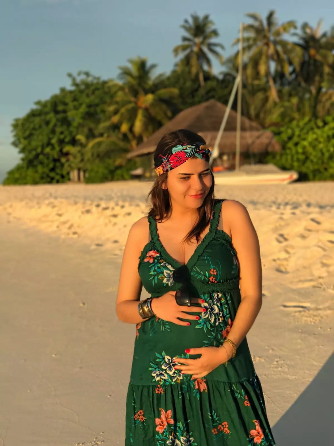pregnant-blogger-moms-alley-girl-fashion-travel-life-style-blog