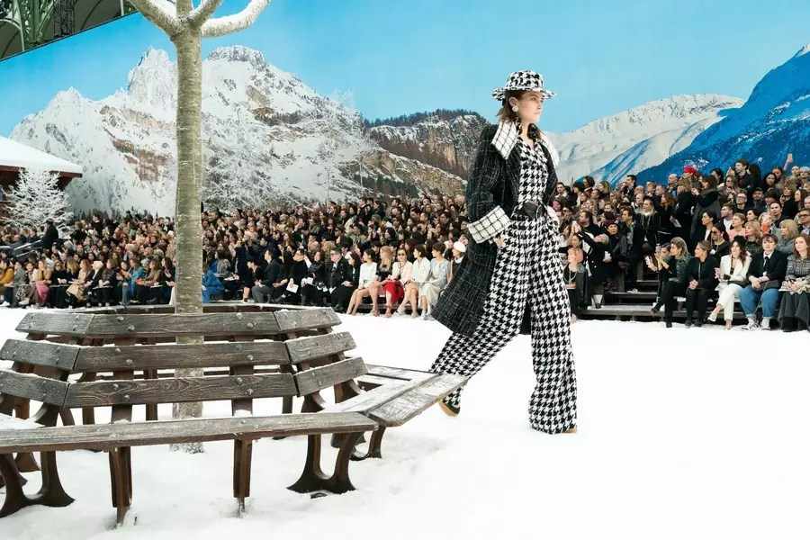 Paris Fashion Week: Chanel Fall 2019 Collection Review