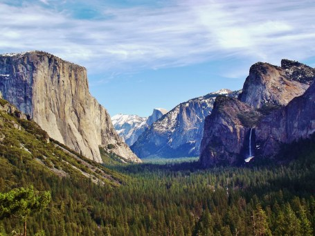 https://en.wikipedia.org/wiki/Yosemite_Valley