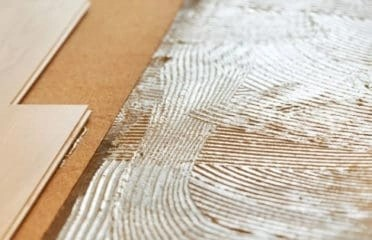 floating vinyl plank flooring vs glue