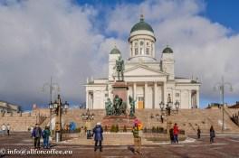 Aleksander II monument Helsinkis Senativäljakul