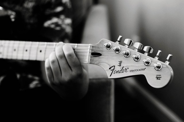Learning to Play the Guitar Online with Fender! — All for ...