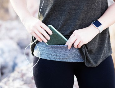 DIY no sew running belt for hiking and adventures. SO easy to make!