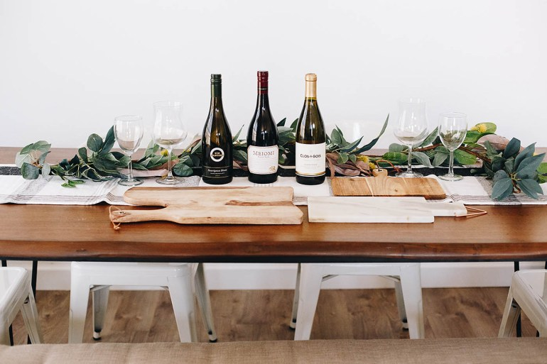 How to make a holiday charcuterie board and wine pairings