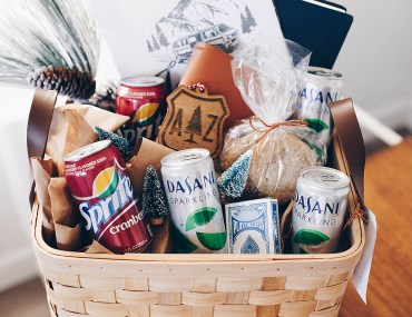 How to put together a road trip lover's gift basket - great tips and ideas!