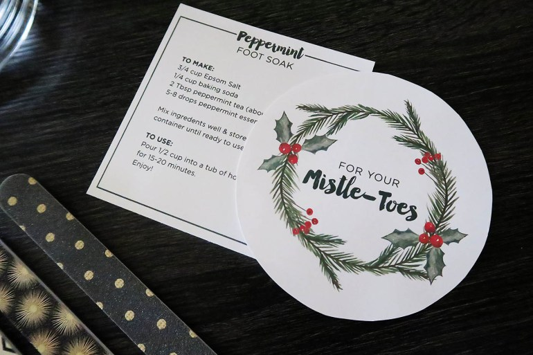 "DIY Pedicure Gift Basket with easy peppermint foot soak recipe and cute ""Mistle Toes"" printable tag!"