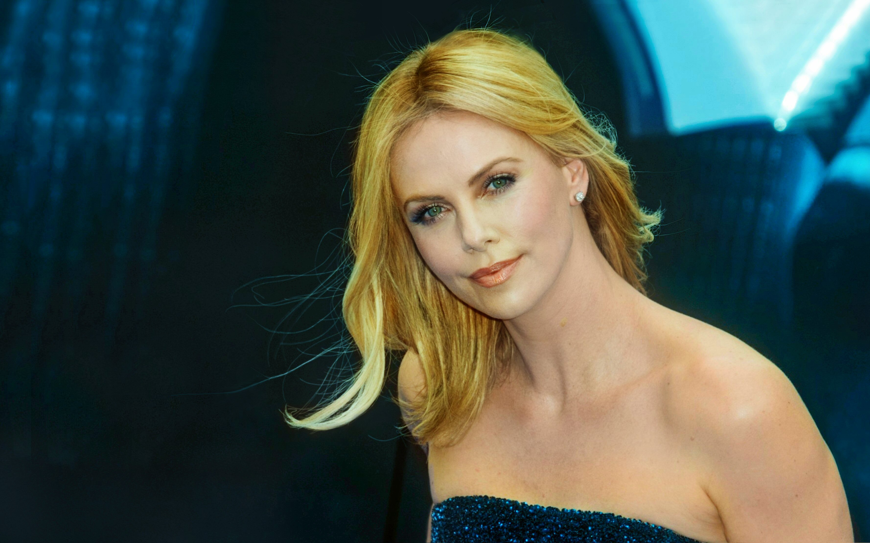 Smart Girl Wallpaper Com Sexy Charlize Theron New High Defination Pictures All Hd