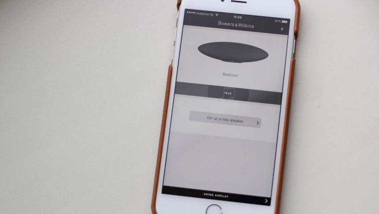 Bowers-Wilkins-Zeppelin-Wireless-app